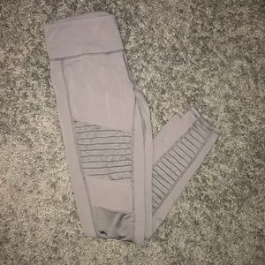 Alo Yoga grey Moto legging